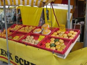 市場:チーズ (kaas op de markt)