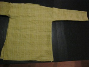 Geelgeruit ijzertijdshirt / 黄色い鉄器時代のシャツ / Yellow Iron Age shirt